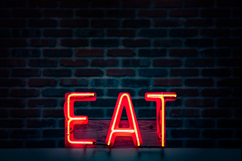 Neonaufschrift EAT