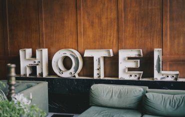 Hotelschriftzug