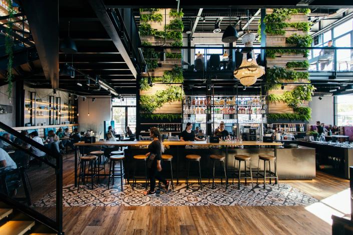 Restaurant mit Pflanzen