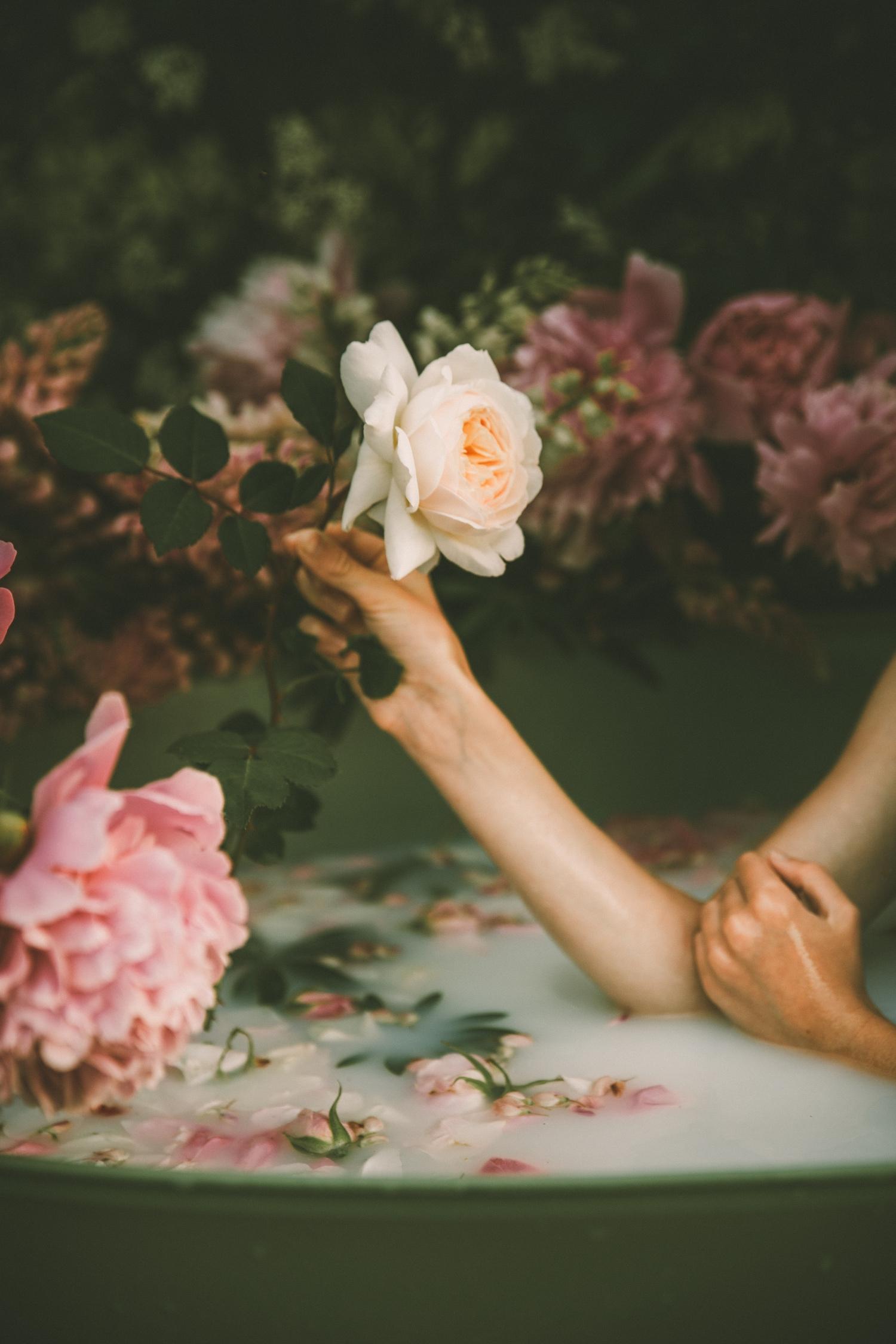 Blumen in der Badewanne