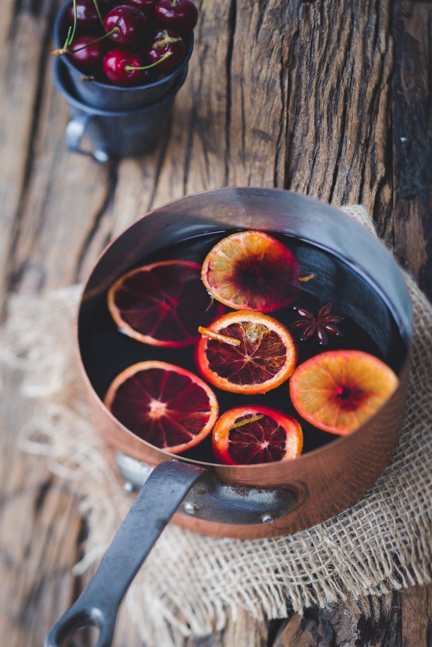 Glühwein mit Orange