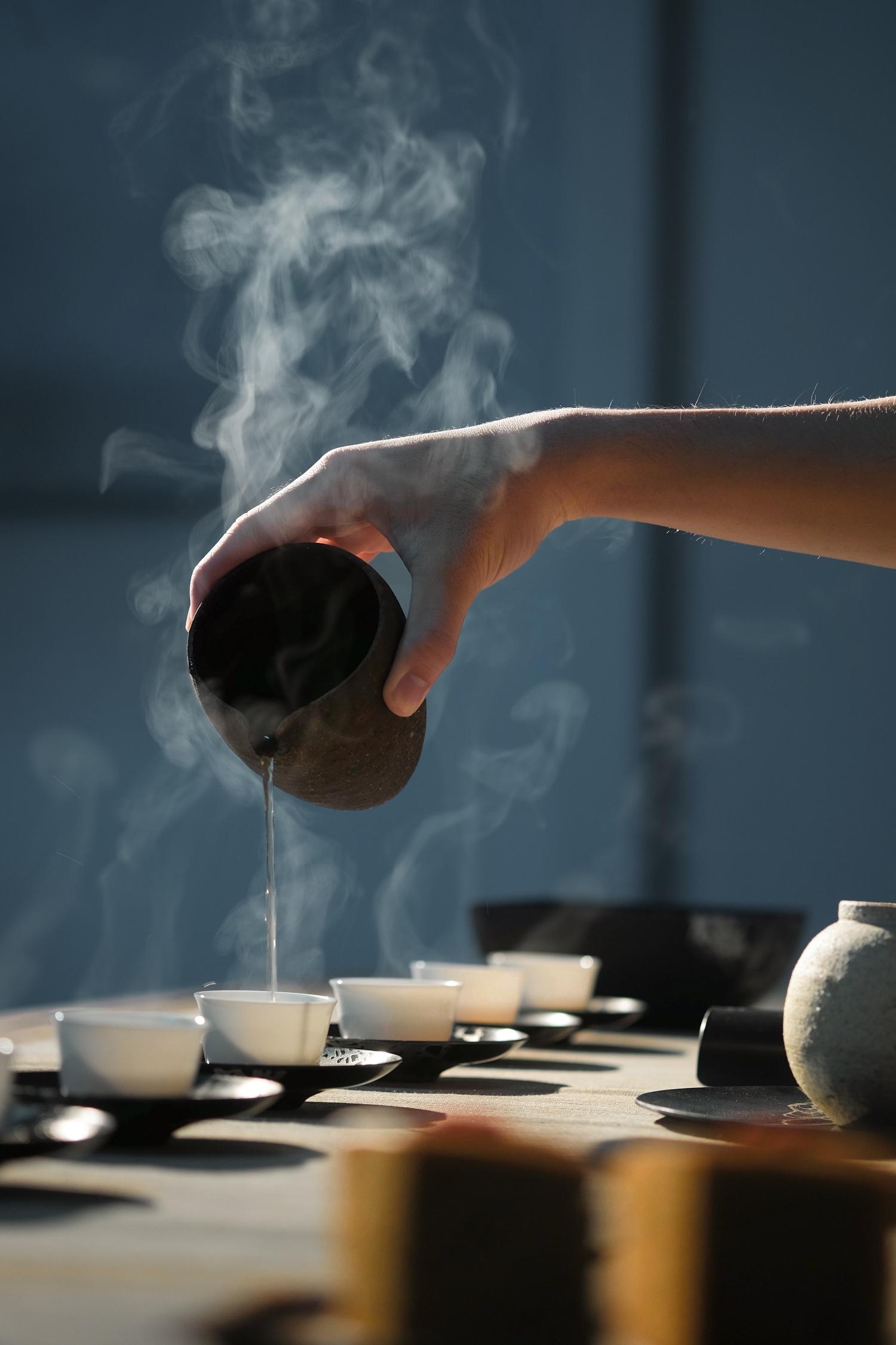 Eine dampfende Tasse Tee