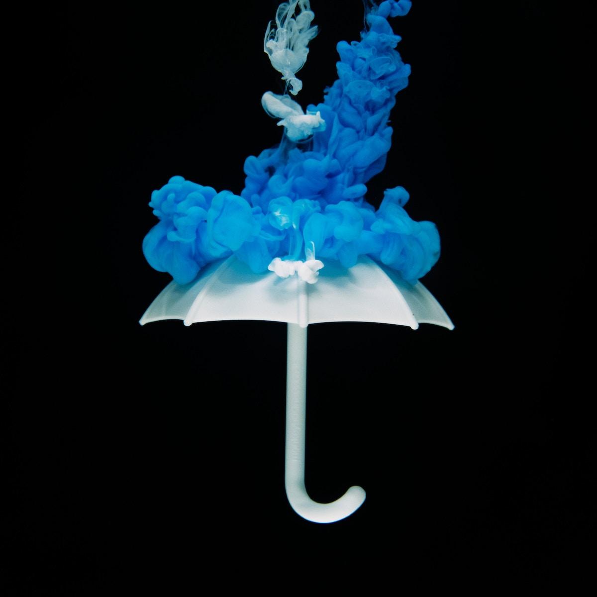 Ein dampfender Schirm