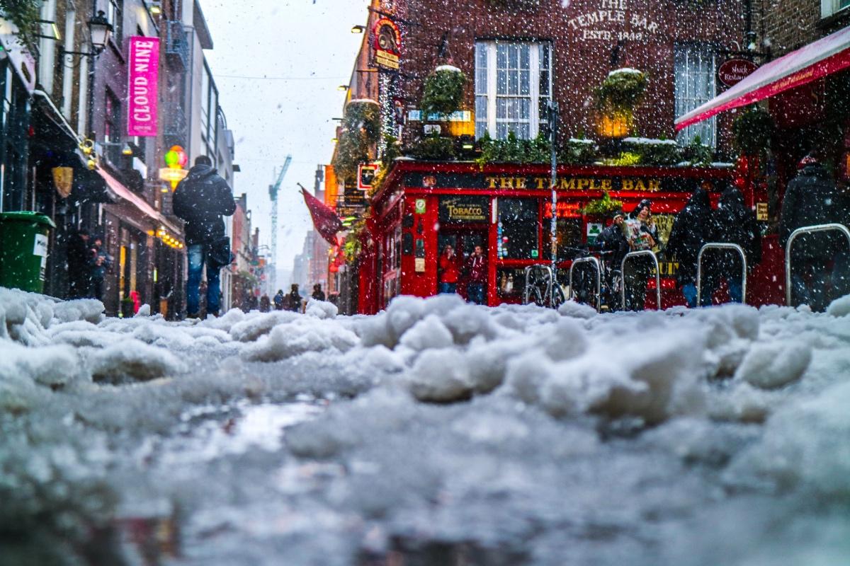 Bar im Schnee